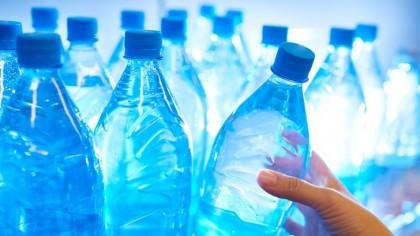 Cum trebuie sa bei apa ca să slăbești! Pierzi multe kilograme astfel