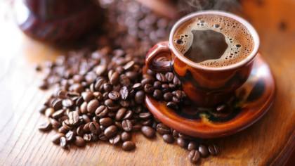 A apărut cafeau transparentă! Ce gust are și cum trebuie servită