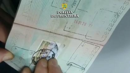 Apar ștampilele de vaccin anti-COVID pe pașapoarte