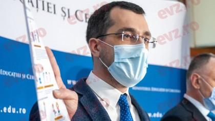 Alertă în USR. Vlad Voiculescu e aproape out din Guvern. I s-a găsit deja înlocuitor