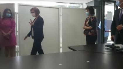 Incident scandalos. Ministrul Sănătății s-a enervat și fugit dintr-o conferință