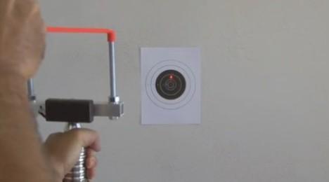 Sniper cu prastia [+Video]