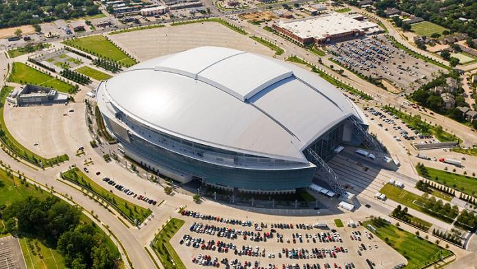 Noul stadion SuperBowl din Texas si uriasul ecran LED