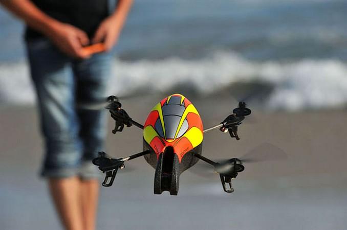 AR Drone in Romania: Zboara, jucarie, zboara …prin control iOS