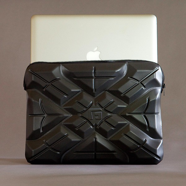 Protectie extrema pentru laptopuri, la cateva zeci de dolari distanta