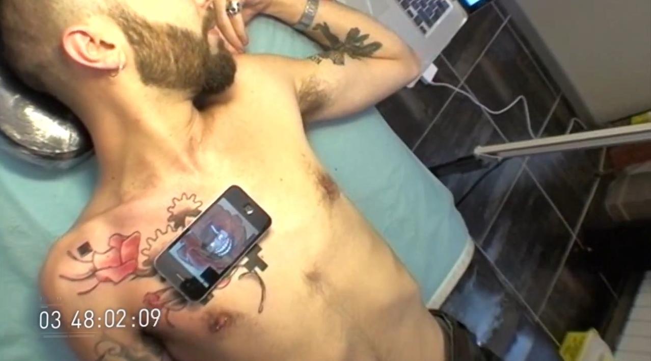 Tatuaje animate cu ajutorul codurilor QR [+VIDEO]