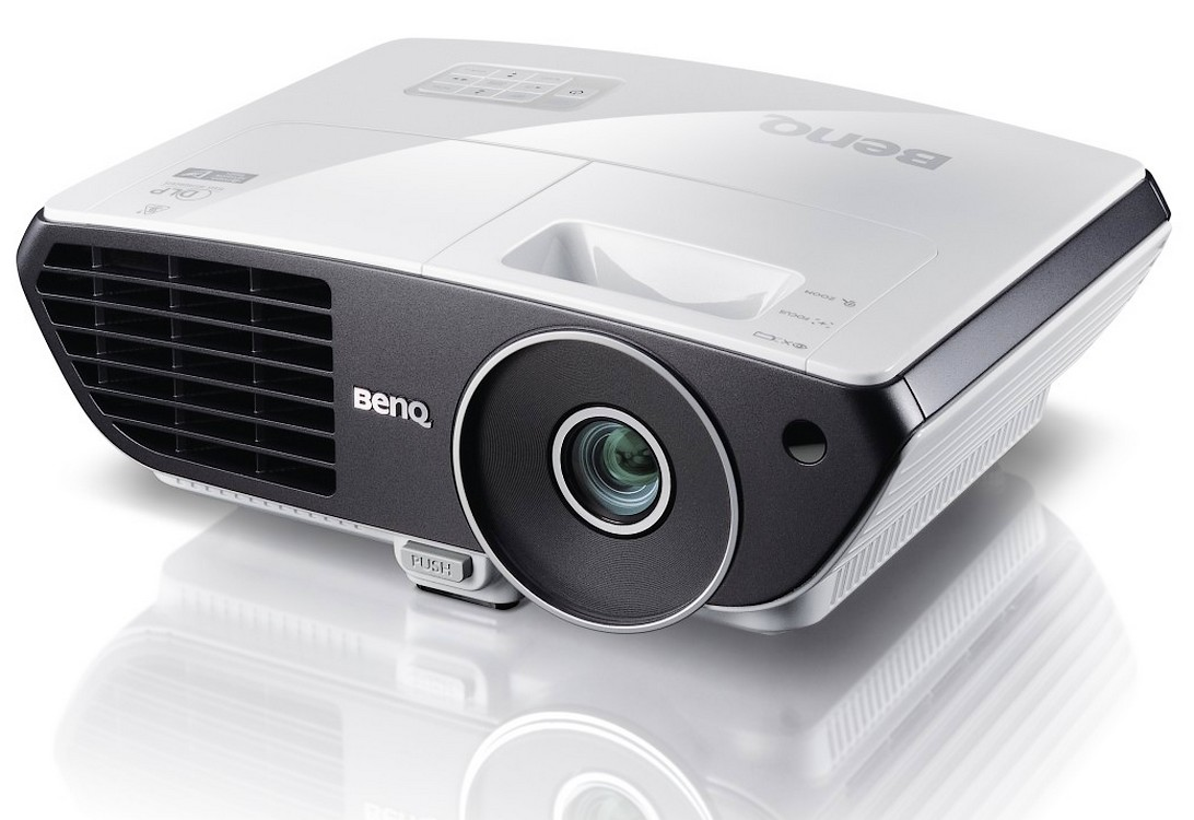 Proiectorul BenQ W700 – Let's have fun!