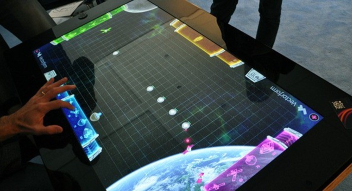 SUR40 – Raspunsul Samsung la Microsoft Surface
