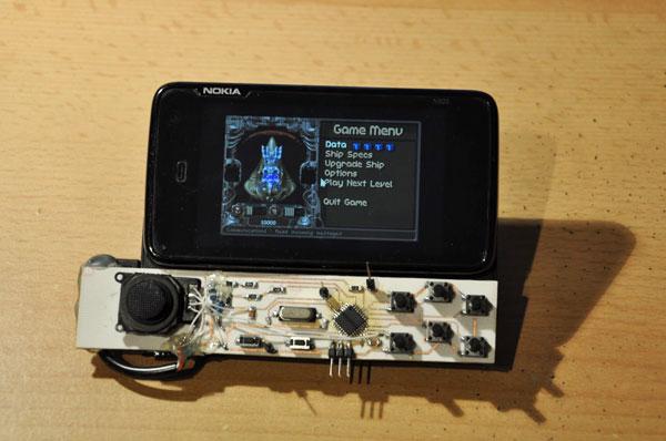 Nokia N900 transformat in consola