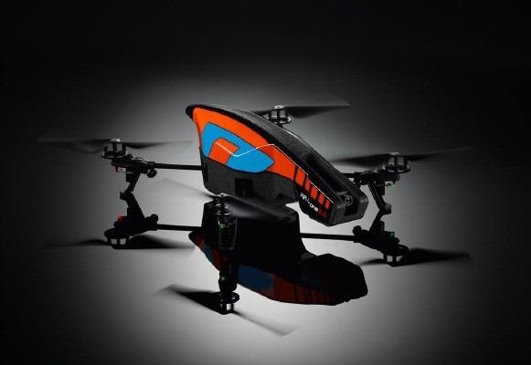 Parrot AR.Drone ajunge la 2.0: mai util, mai complex, mai polivalent