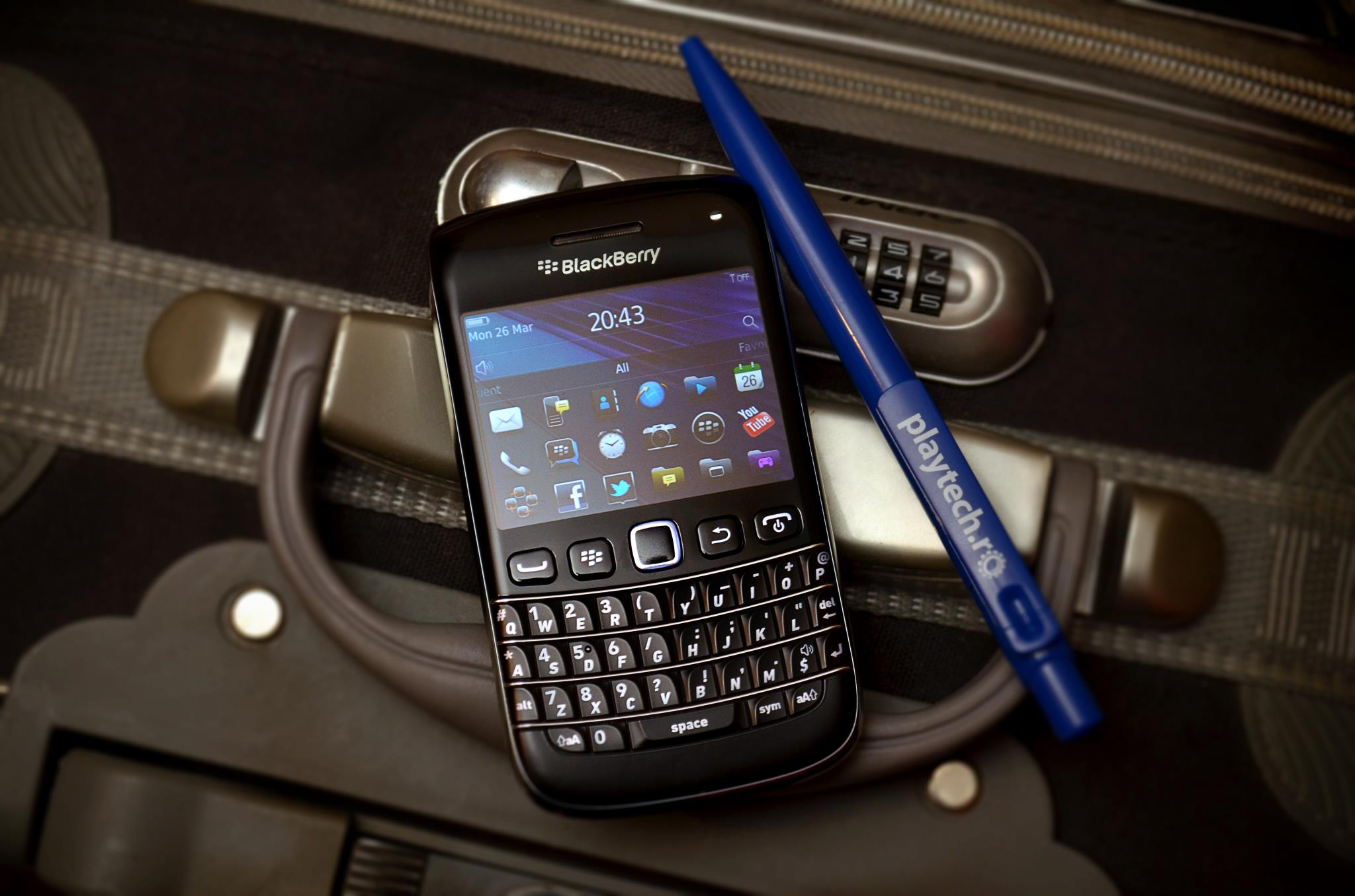 Blackberry Bold 9790 – Mai mic, mai accesibil, mai putin Bold [REVIEW]