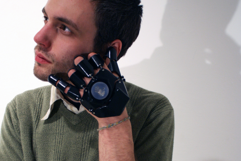 Glove One iti transforma mana in telefon [+VIDEO]