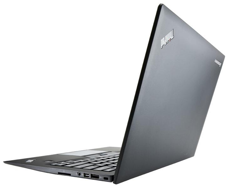 Lenovo a lansat cel mai usor ultrabook de 14 inci: X1 Carbon