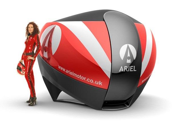 Ariel lucreaza la un simulator auto un pic mai autentic