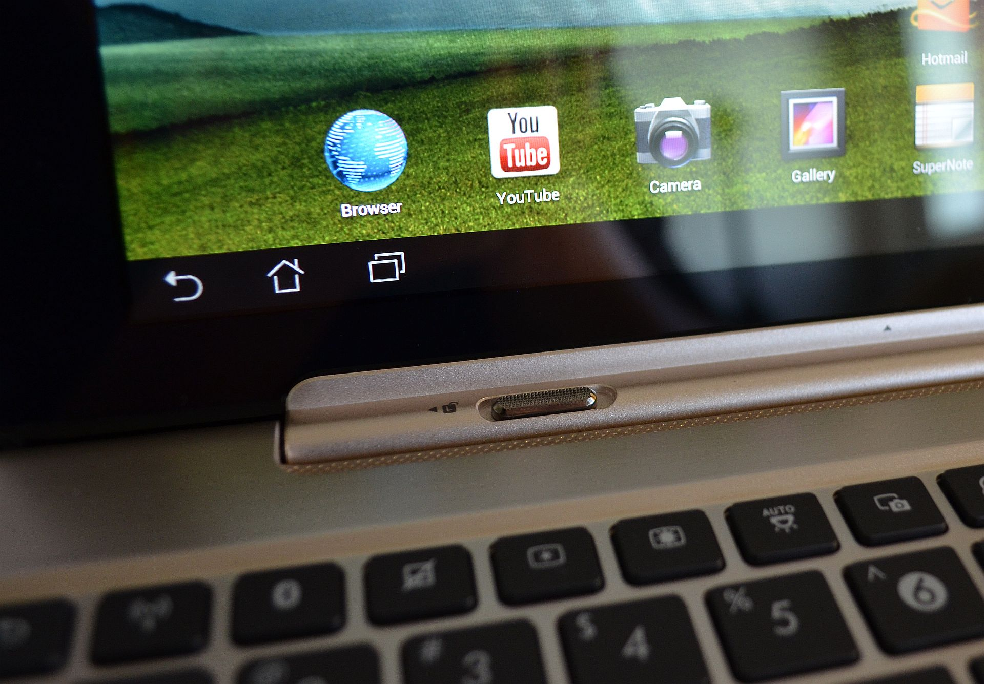 ASUS Transformer Infinity – Noul rege al tabletelor Android [REVIEW]