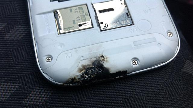 Surpriza! Galaxy S III-ul nu a explodat de buna voie