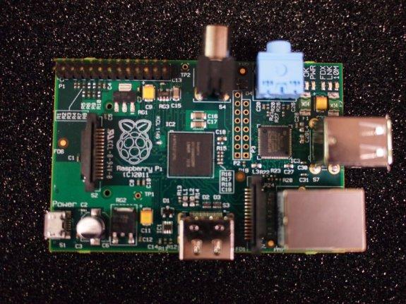 Raspberry Pi disponibil pentru toata lumea
