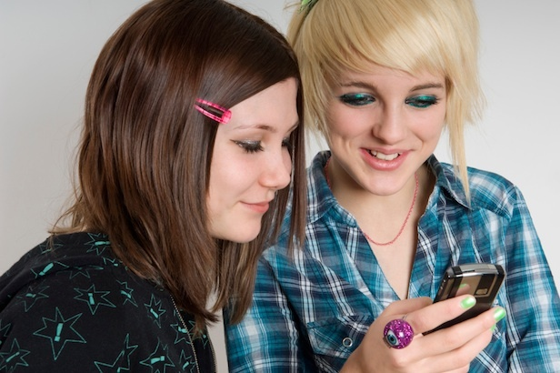 Cum vad tinerii telefonul perfect?