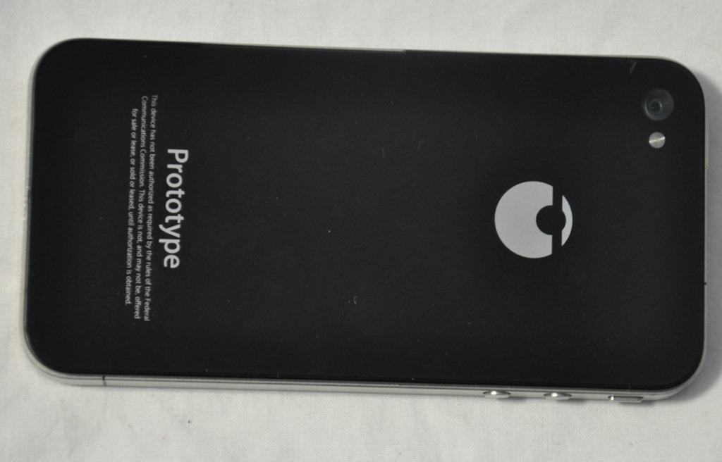 Un altfel de iPhone a fost pe eBay [+VIDEO]