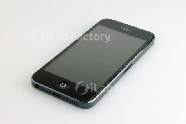 Urmatorul iPhone va avea display-uri Sharp