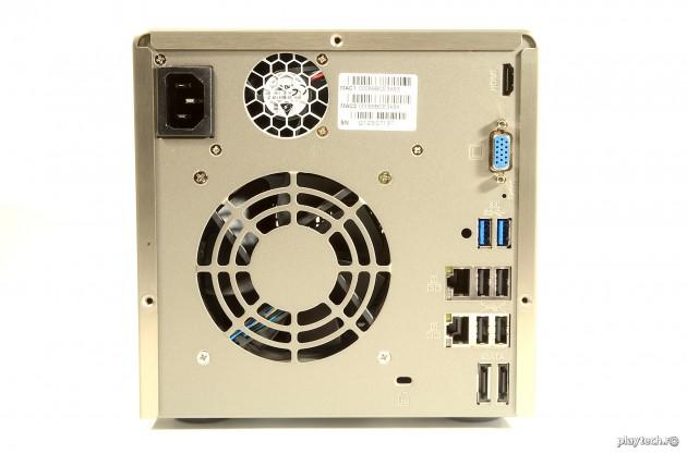 QNAP TS-469 Pro Conectori