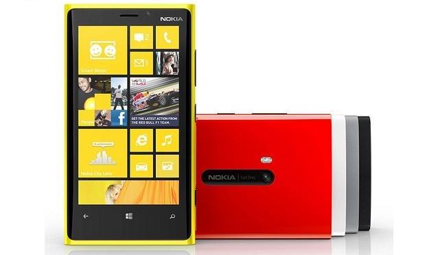 """Nokia Lumia 920 si 820 sunt """"destul de cautate"""""""