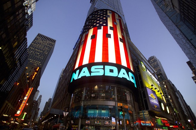 NASDAQ 100 top rim si electronic arts marvel