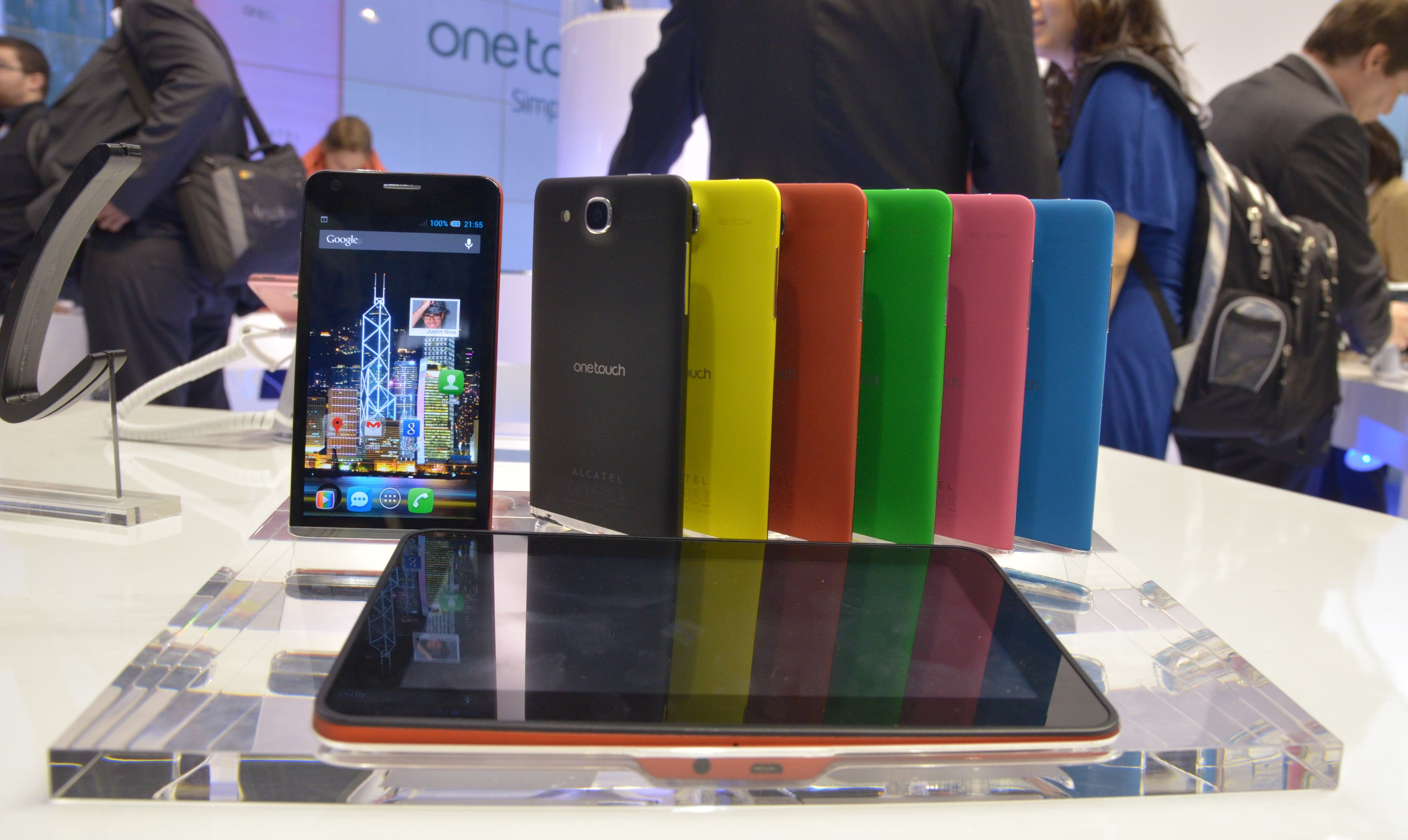 Alcatel a pezentat One Touch Idol Ultra la MWC 2013 [Hands-On]