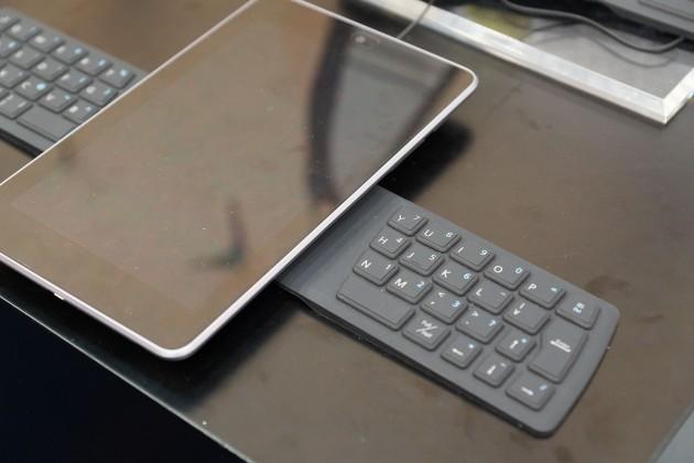 Tastatura din silicon cu conectivitate NFC