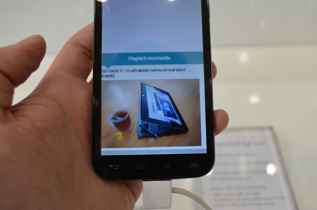 Optimus L II Dual – Dual SIM-uri LG de buget [Hands On]