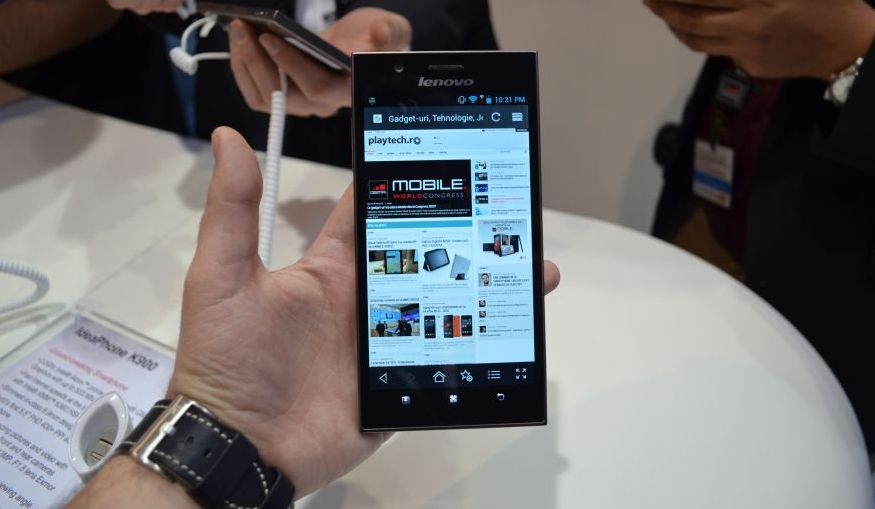 MWC 2013: Lenovo K900: Android cu Intel Clovertrail+