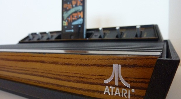 Modding de Atari 2600 in… dock de iPhone