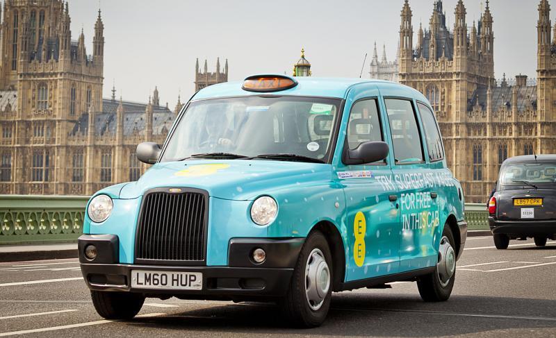 Marea Britanie va dispune de taxiuri cu 4G gratuit