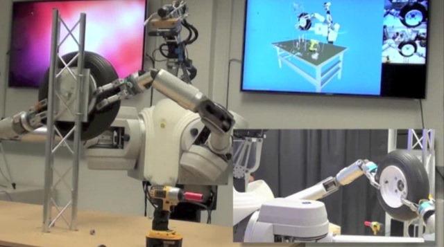 DARPA demonstreaza ca bratele robotice nu trebuie sa fie foarte scumpe