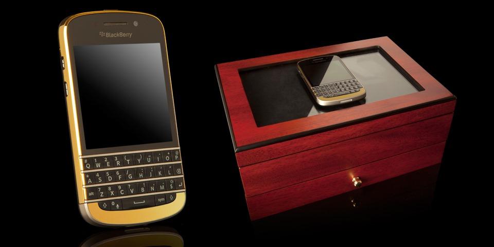 BlackBerry Q10 vine si in varianta din aur, cu un pret pe masura