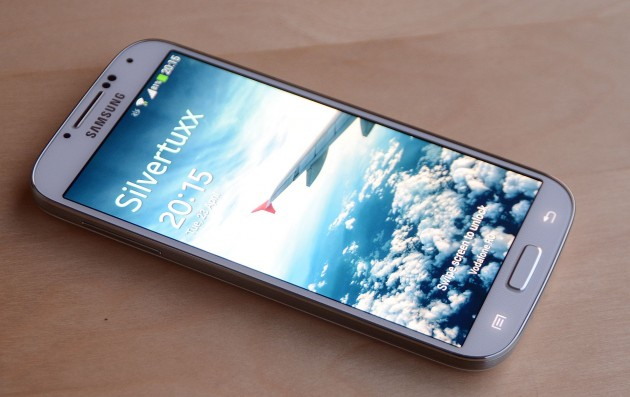 Samsung Galaxy S4 fata Deschis
