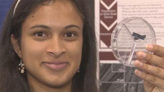 O adolescenta a inventat un super condensator pentru incarcat baterii
