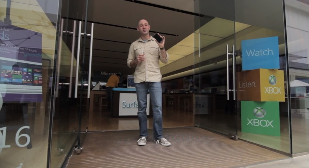 Cate poti cumpara cu pretul unui Galaxy S4 in viziunea Microsoft? [VIDEO]