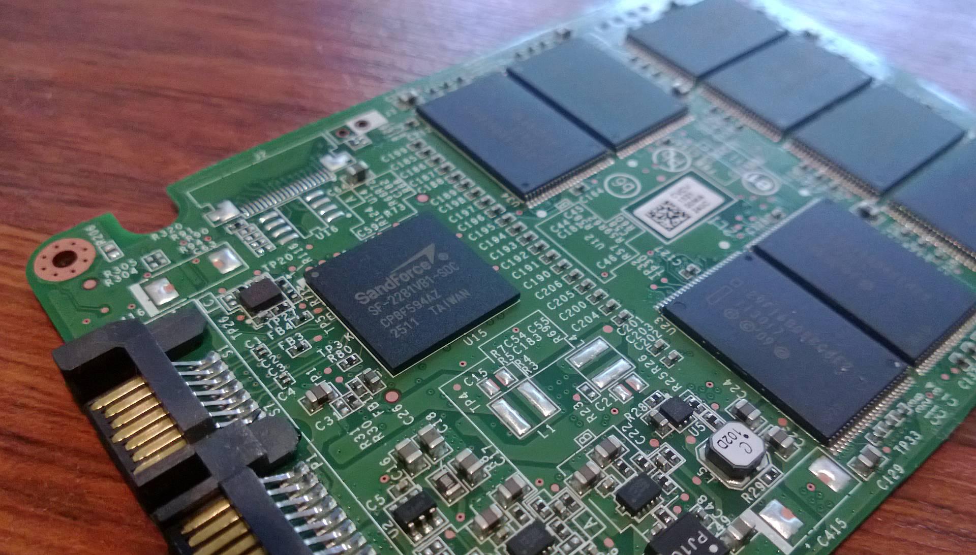 Intel SSD 520 240 GB – Performanta necesara pentru sistem [REVIEW]
