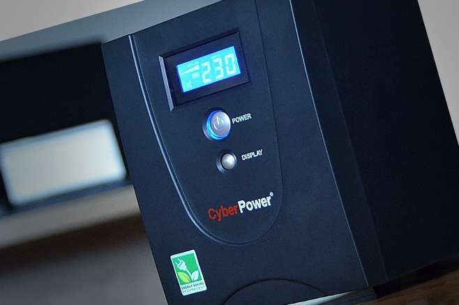 "CyberPower Value 2200 EILCD – Energie pentru ""zile negre"" [REVIEW]"