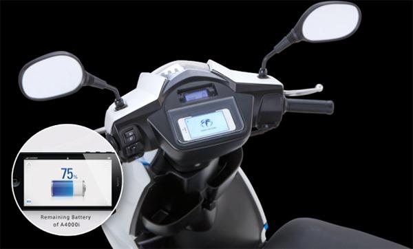 Un nou scooter electric foloseste iPhone-ul pentru interfata