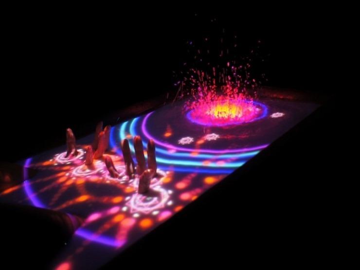 Aquatop iti aduce in baie un senzor Kinect si un proiector [VIDEO]