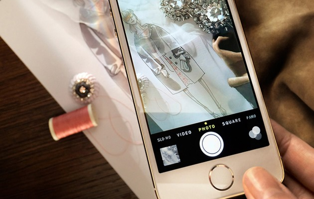 Burberry iPhone 5S trailer