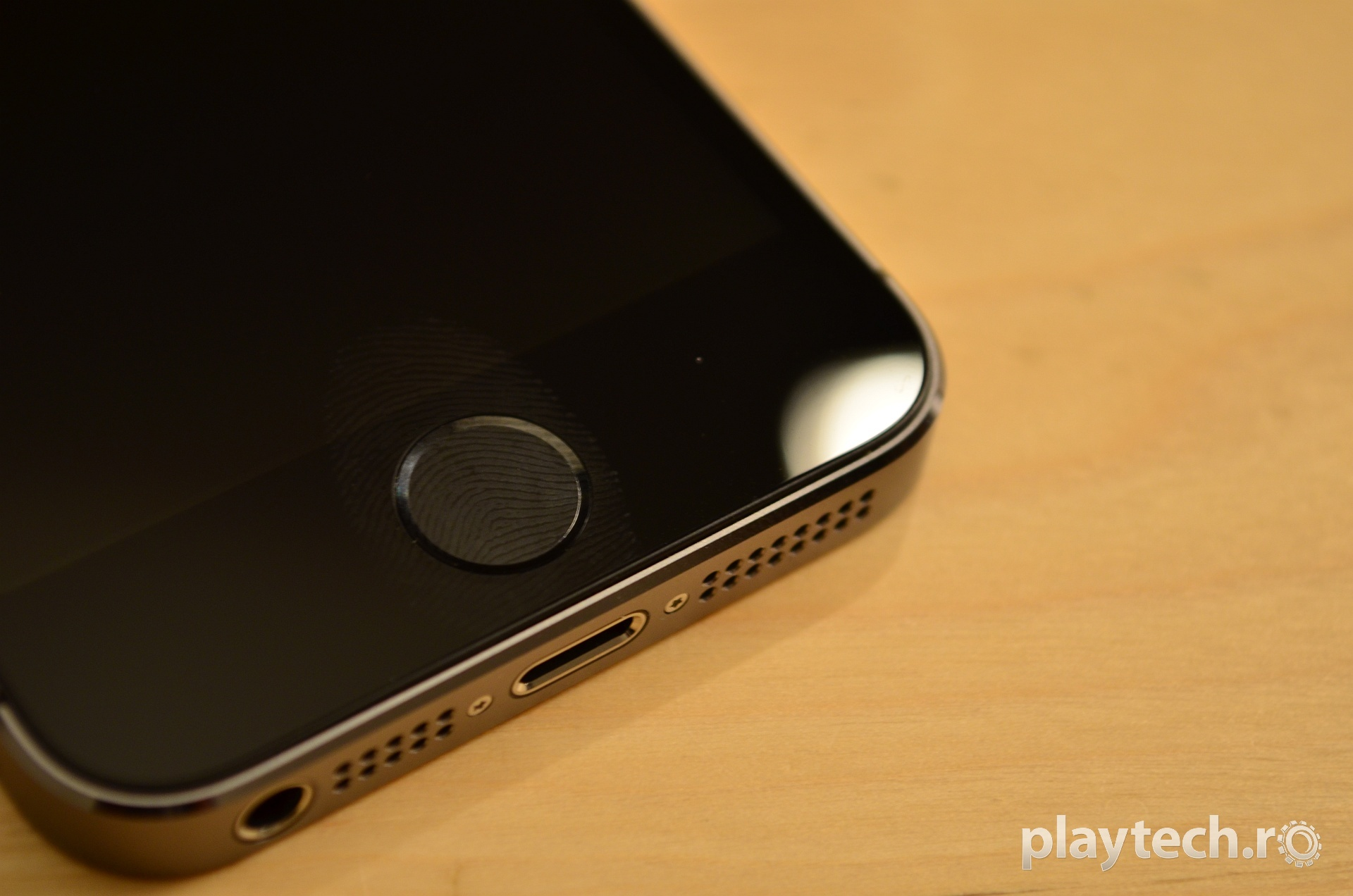 iPhone 5S Unboxing [VIDEO]