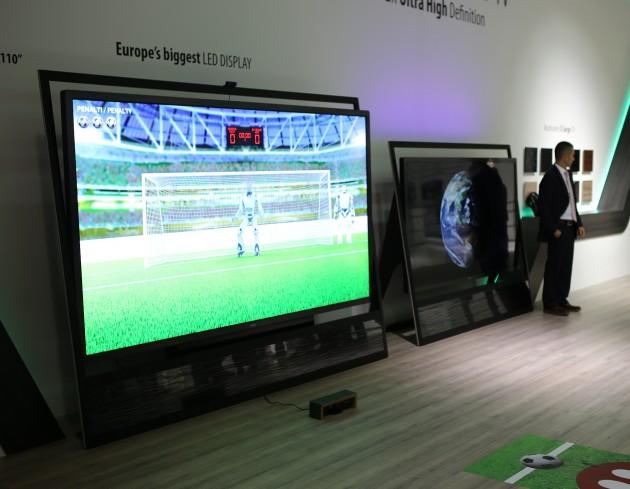 Vestel 110 inch TV