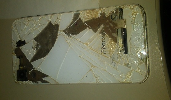 O noua explozie iPhone, este vorba de un 4S din Croatia