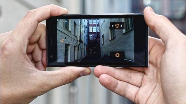 Smartphone-ul Jolla, cu pret si specificatii complete