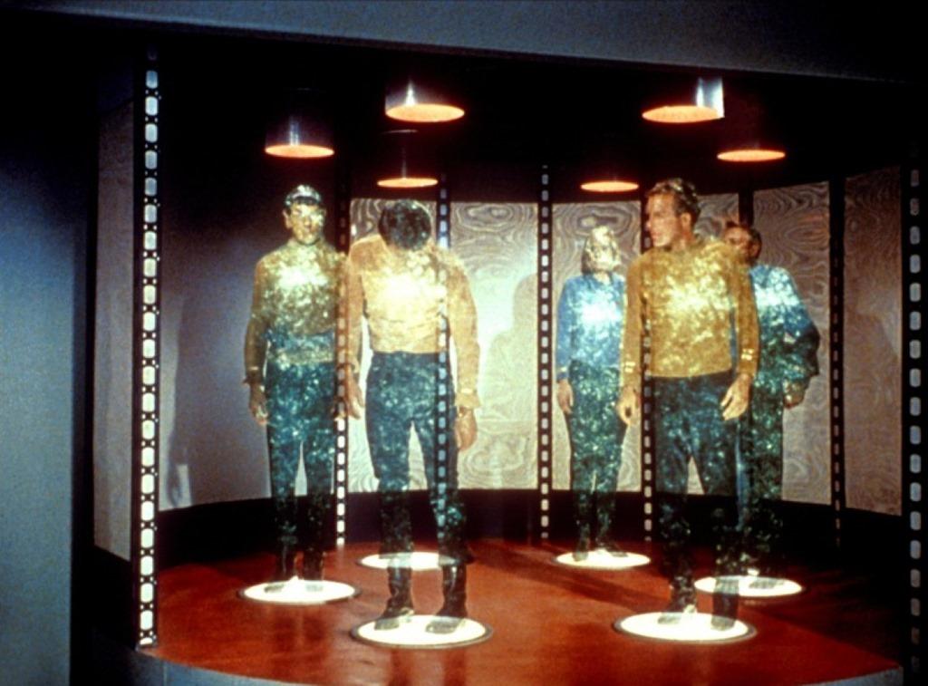 Marketing Star Trek: Iata cum se teleporteaza oamenii intr-un mall [VIDEO]