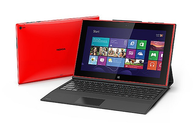 Nokia-Lumia-2520-with-Nokia-Power-Keyboard
