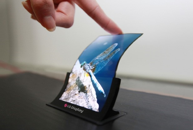 LG Display incepe productia de panouri flexibile pentru smartphone-uri [VIDEO]